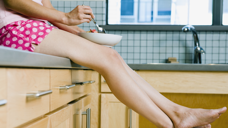 Почему мы испытываем больший голод перед менструацией?