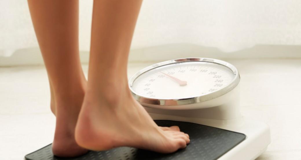 ¿Es verdad que nuestro peso aumenta con la regla?
